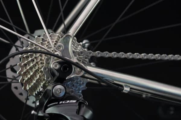 MPA distance road bike detail