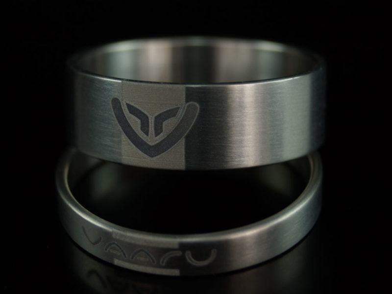 Titanium-spacers
