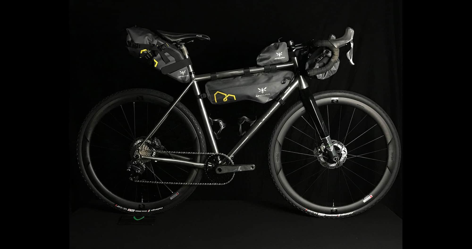 Vaaru GTA Apidura bikepacking