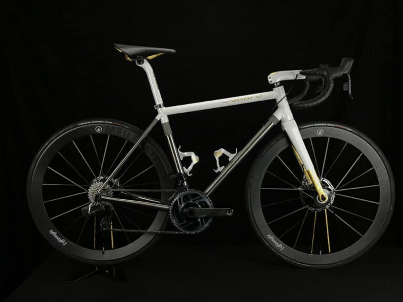 Vaaru octane 64 disc pearl white gold leaf detail whole bike
